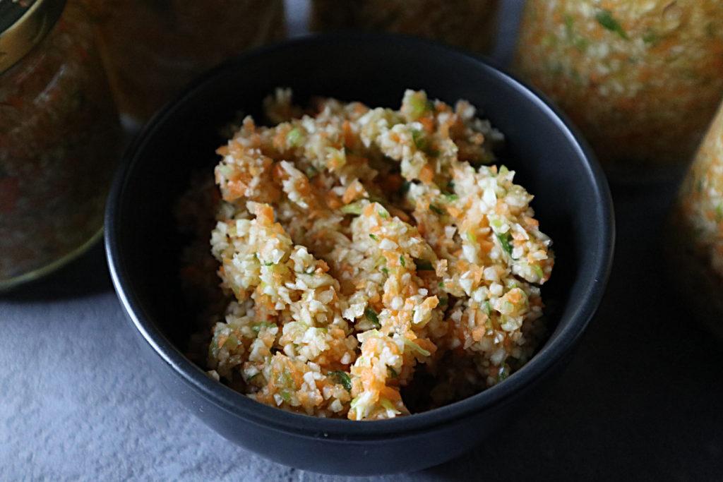 Diese histamin- und fructosearme Suppenbasis oder Gemüsewürze passt zu fast allen Gerichten und ist sehr schnell und einfach zubereitet.