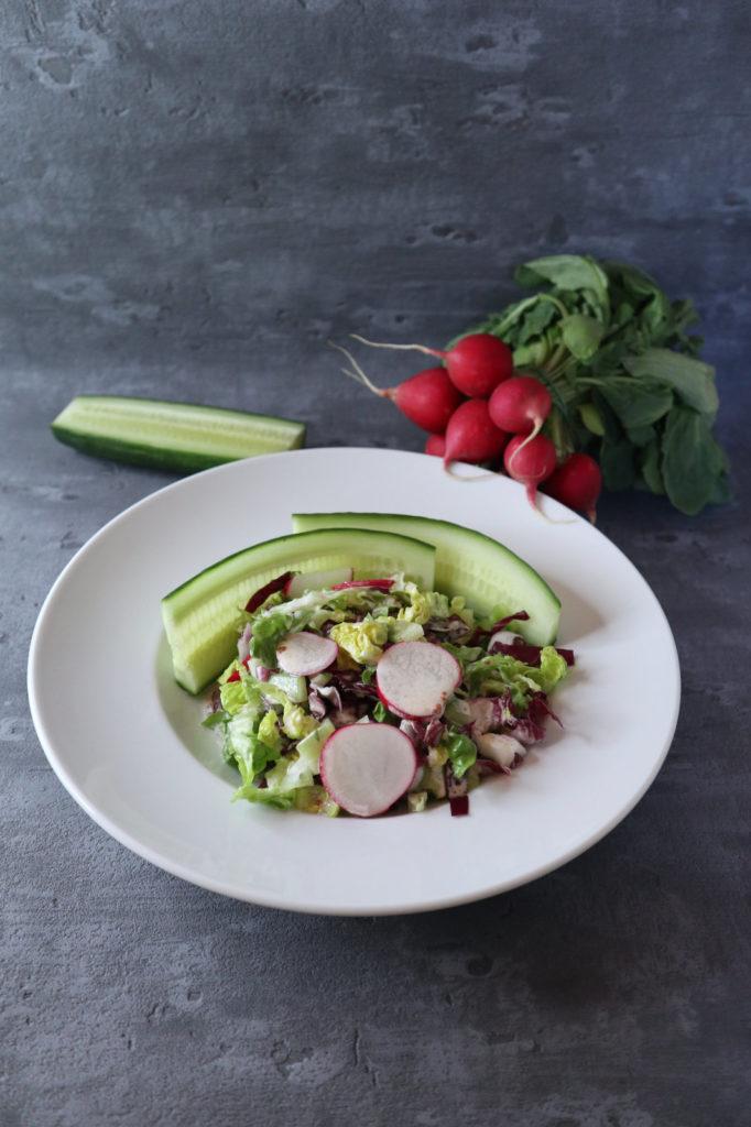 Hier findet ihr mein liebstes Dressing, das zu vielen verschiedenen Salaten passt. Es ist histamin- und fructosearm und leicht verträglich abzuwandeln.
