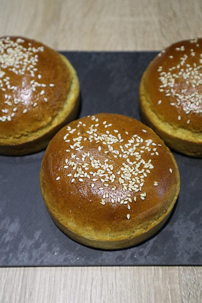 Ihr esst Burger genauso gerne wie wir? Dann probiert doch mal mein Rezept für fluffige Dinkel-Burger. Sie sind histamin- und fructosearm.
