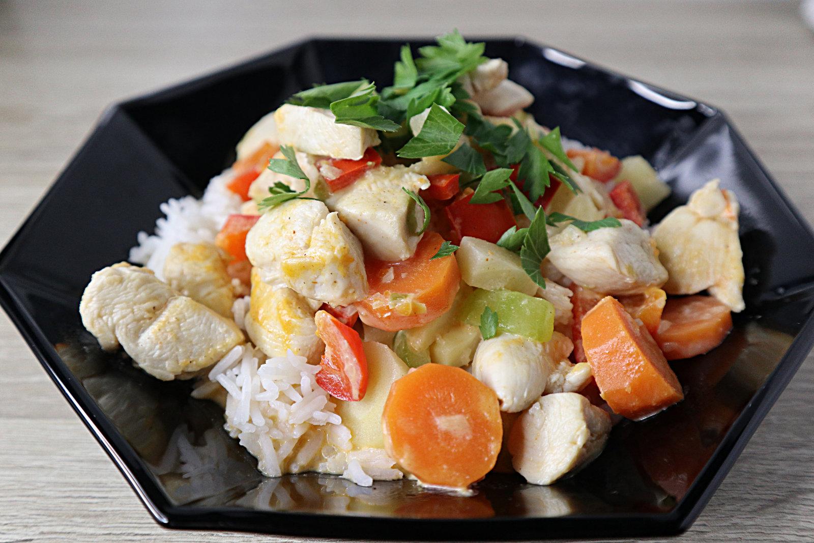 Hähnchen-Gemüse-Pfanne mit Basmati-Reis
