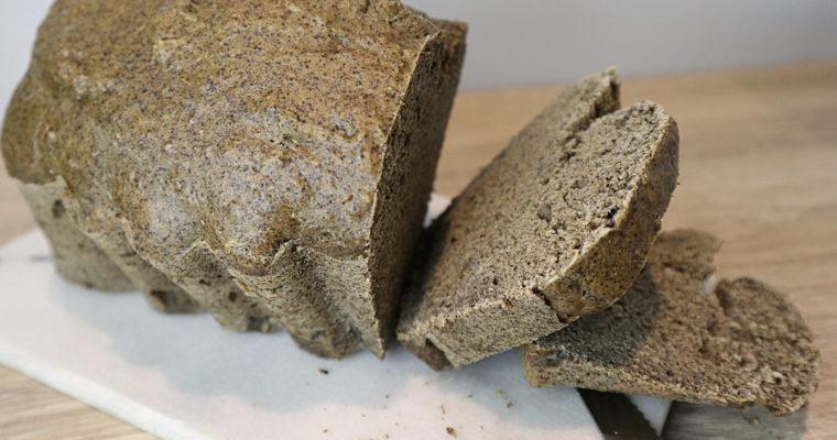 Hanf-Dinkel-Brot