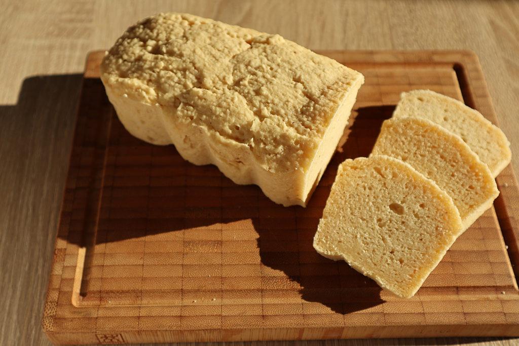 Hier findet ihr ein leckeres Rezept für glutenfreies Maisbrot. Es ist zudem histamin- und fructosearm, ei- und sojafrei und schön saftig.