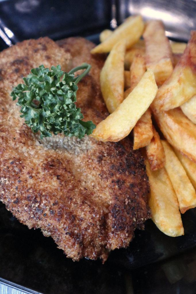 Wie man ein glutenfreies Wiener Schnitzel ohne Fertigpanade macht erfahrt ihr hier. Es ist zudem laktosefrei, histamin- und fructosearm.