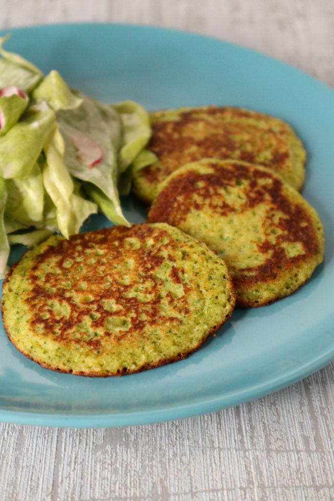 Glutenfreie Brokkoli-Pancakes schmecken total lecker und sind recht schnell gemacht. Zudem sind sie histamin- und fructosearm und laktosefrei.