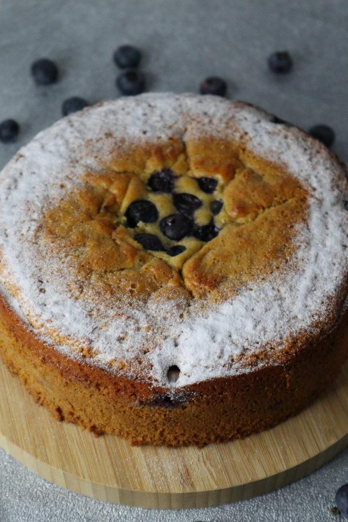 Dieser glutenfreie Rührkuchen mit Heidelbeeren ist zudem histamin- und fructosearm sowie laktosefrei zubereitet. Probiert ihn einfach mal aus.