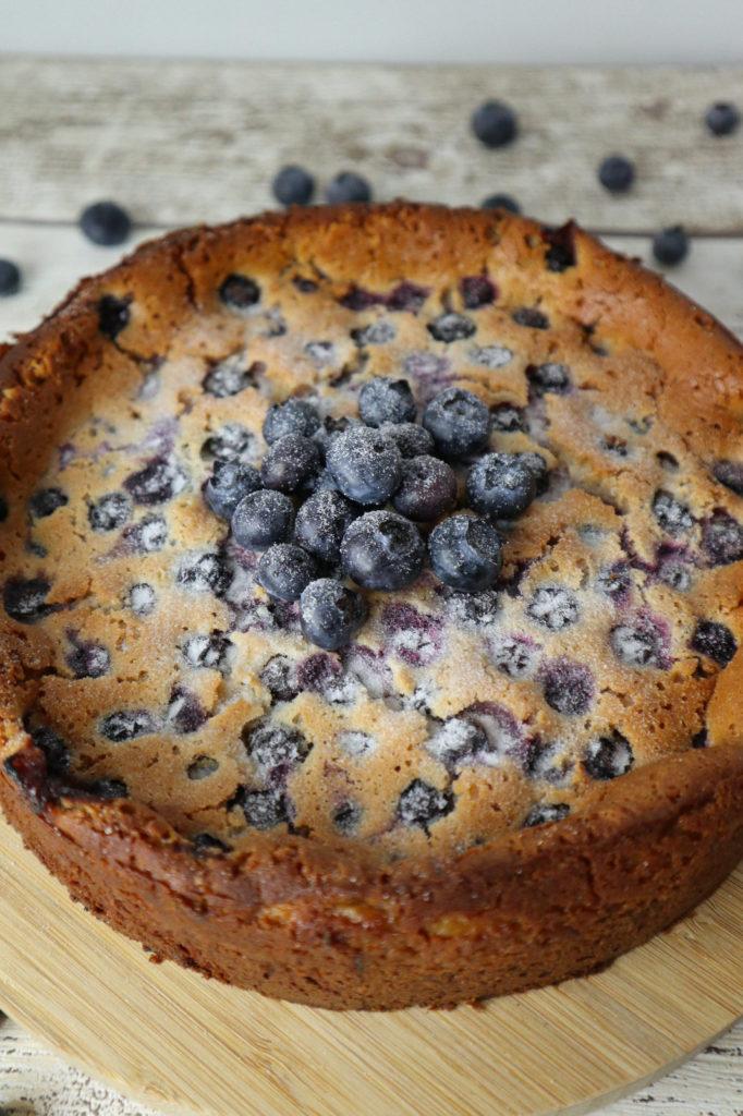Glutenfreier Kokos-Käsekuchen mit Blaubeeren: Lecker, einfach gemacht und zudem histamin- und fructosearm sowie ei- und laktosefrei.