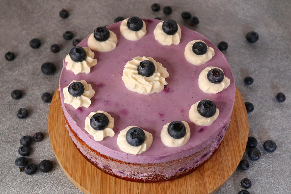 Diese glutenfreie Quark-Joghurt-Torte mit Blaubeeren müsst ihr probieren! Sie ist zudem histamin- und fructosearm sowie laktosefrei.