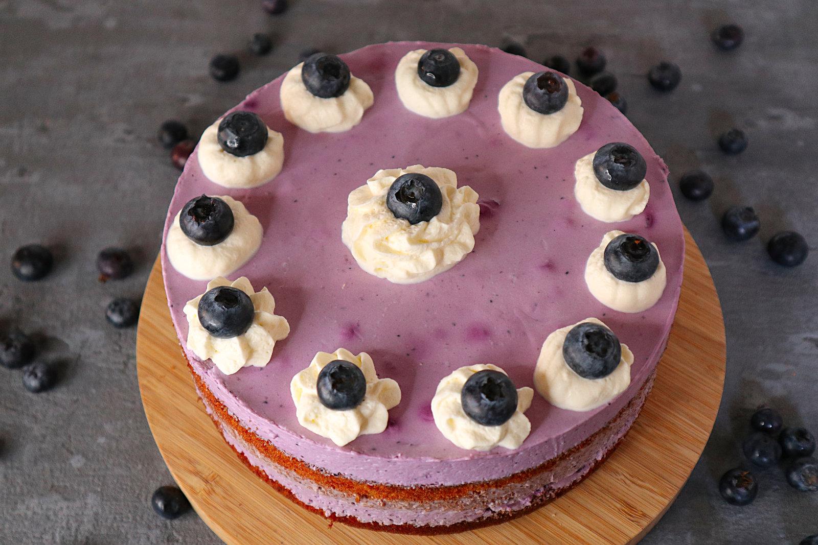 Glutenfreie Quark-Joghurt-Torte mit Blaubeeren