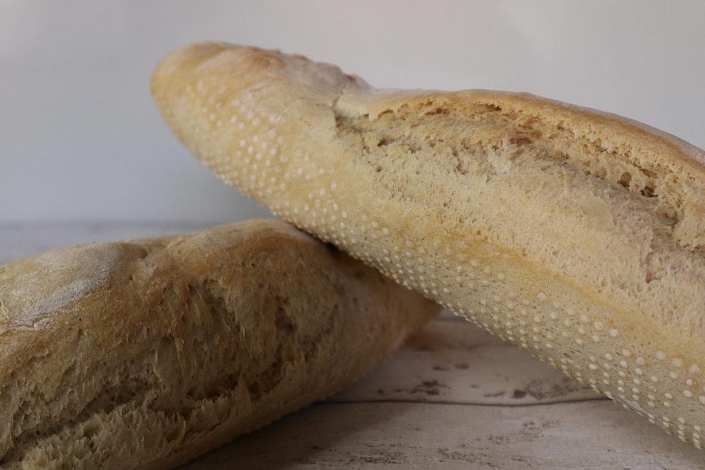 Leckere Dinkel-Baguettes sind ganz einfach selbst gemacht - ihr braucht nur etwas Zeit. Histamin- und fructosearm sowie laktosefrei.