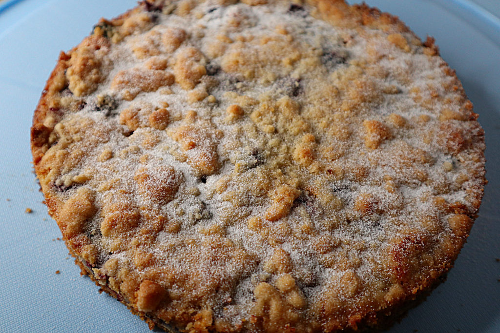 Ich habe histamin- und fructosearmen Brombeer-Streuselkuchen gebacken.  Er enthält etwas Dinkelmehl und ist laktosefrei zu backen wenn nötig.
