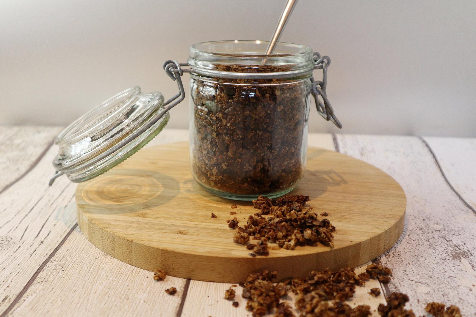 Selbstgemachtes Granola-Knuspermüsli