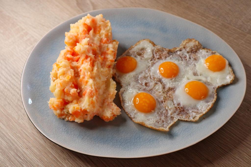 Der Kartoffel-Karotten-Pastinaken-Stampf geeignet sich super als Beilage zu Spiegelei oder Fisch. Er ist histamin- und fructosearm.