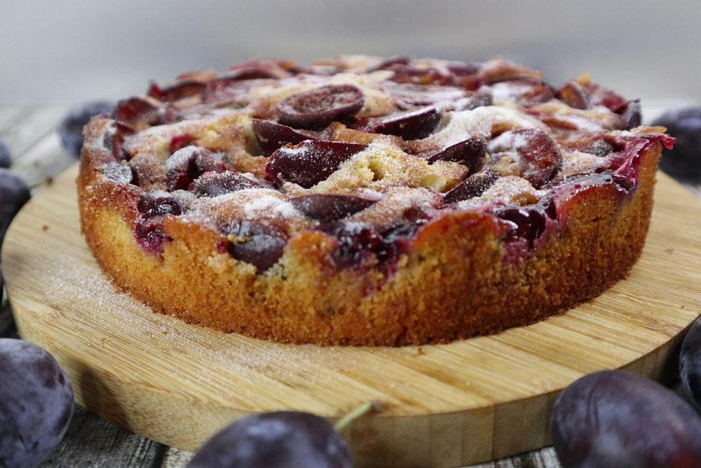 Dieser Zwetschgen-Kuchen schmeckt lecker nach Zimt und ist histamin- und fructosearm sowie glutenfrei zubereitet.