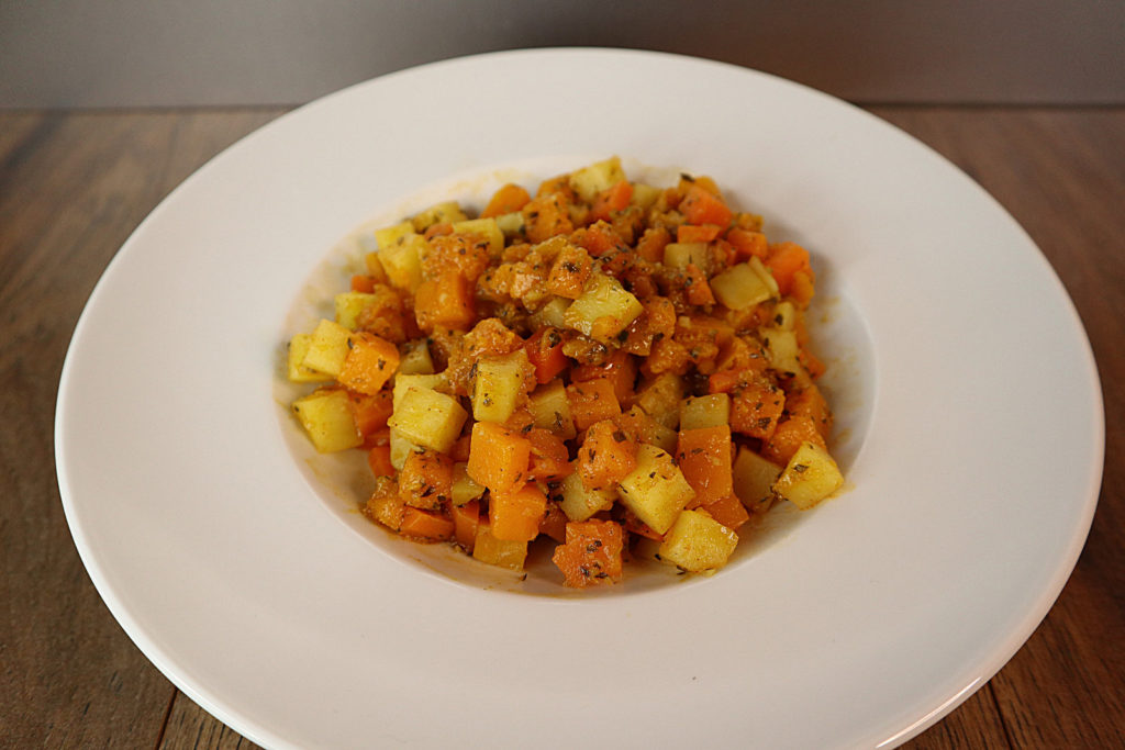 Dieser Kürbis-Kartoffel-Karotten-Eintopf ist mein Soulfood für die kalte Jahreszeit. Er ist histamin- und fructosearm.