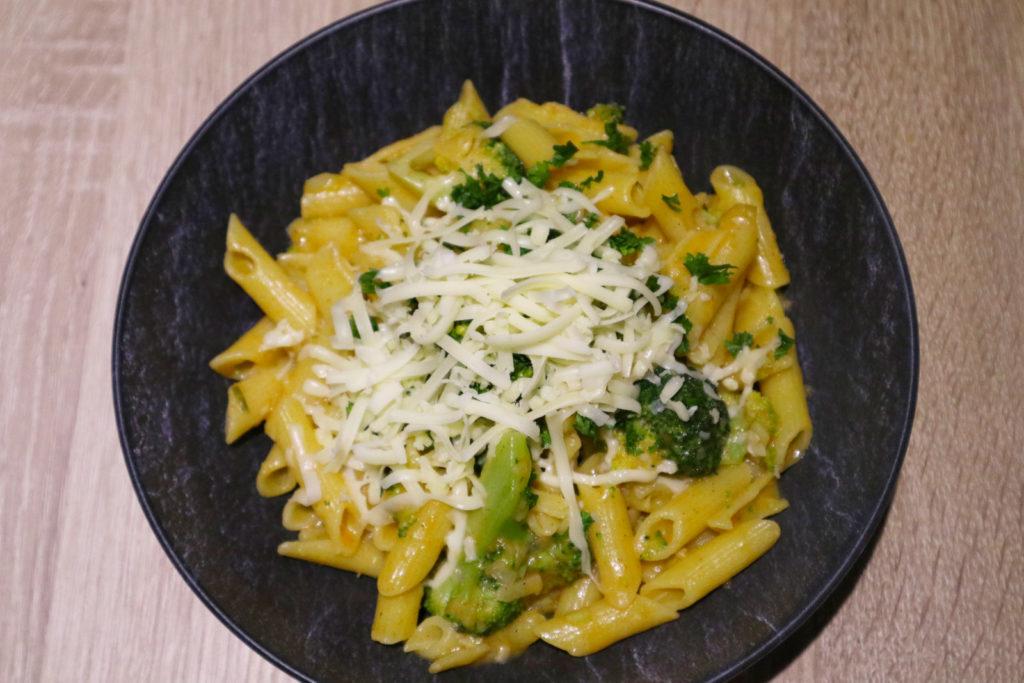 One Pot Pasta ist super schnell und einfach zubereitet. Ihr könnt sie ganz nach eurem Geschmack abwandeln. Mein Rezept ist histaminarm.