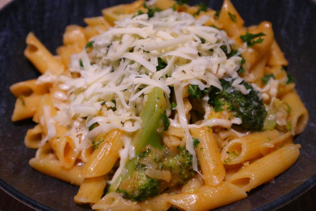 One Pot Pasta ist super schnell und einfach zubereitet. Ihr könnt sie ganz nach eurem Geschmacj abwandeln. Mein Rezept ist histaminarm.