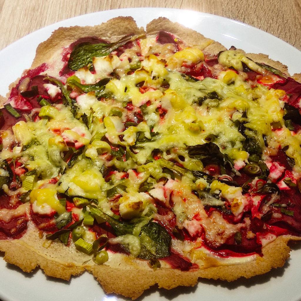 Heute habe ich ein ganz schnelles Rezept für glutenfreie Flammkuchen für euch. Es ist zudem histamin- und fructosearm.