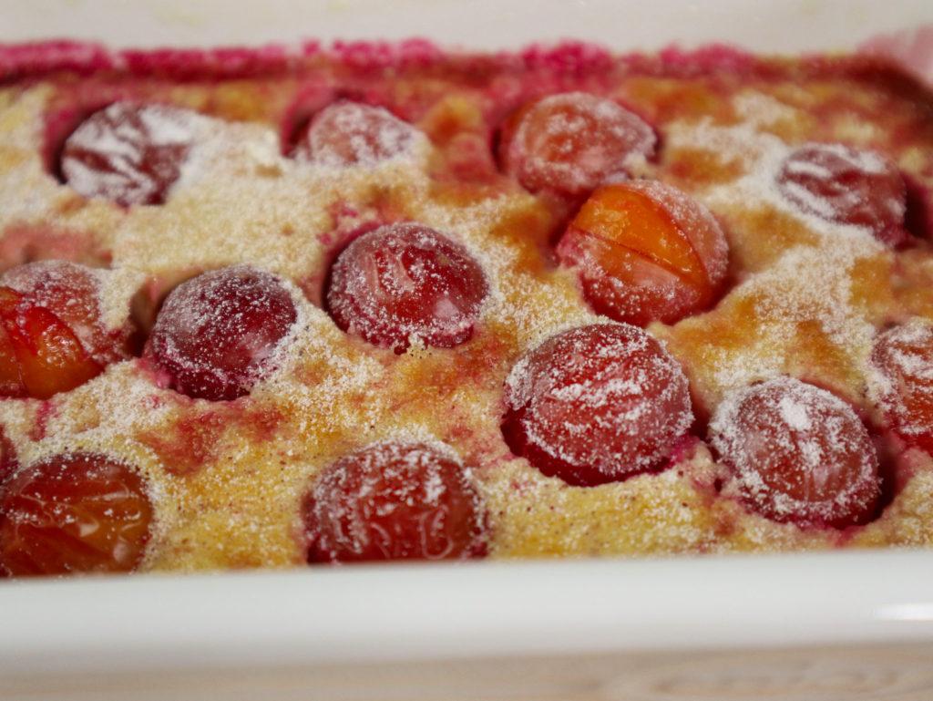Ich habe hier ein mega leckeres Rezept für einen süßen Auflauf für euch: Einen Clafoutis mit Obst. Histaminarm und glutenfrei.